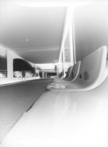 bench_nega